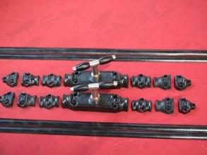Nieuw: 2 zwarte gietijzeren krukespagnoletten met ebbenhout