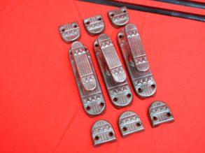 3 puntgave Art Deco achtige espagnoletten.