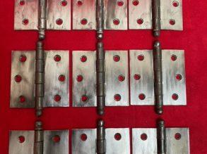 9x Jaren'30 knopscharnieren.